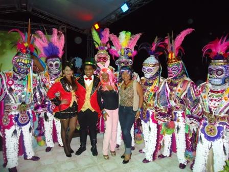 """Colorido y creatividad protagonizaron fiesta """"Carnaval en ..."""